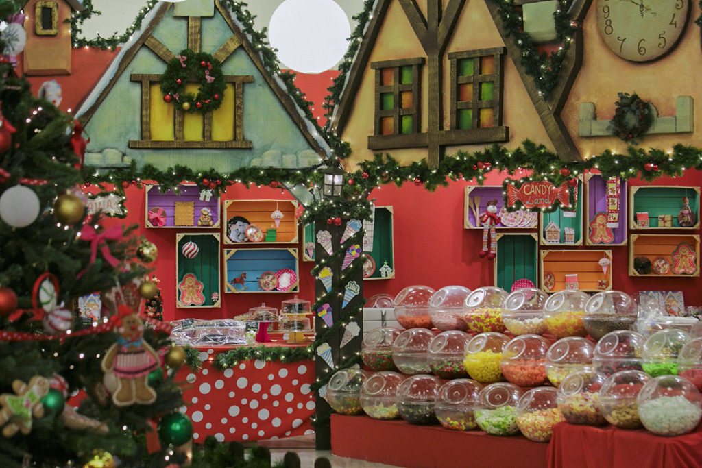 The Christmas Factory 6